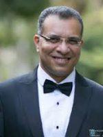 الكاتب محمد طة